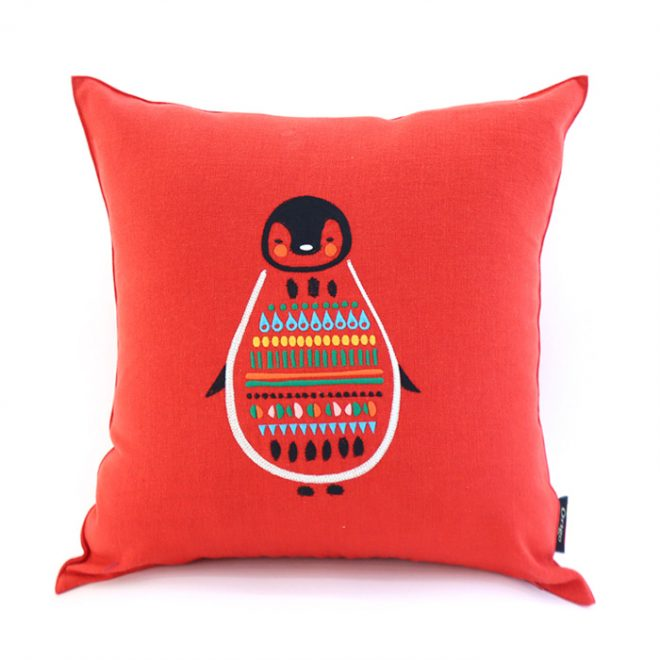 Cushion_Cherrypenguin-701